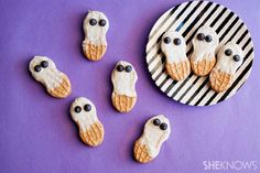 3 Ghostly Halloween treats GHOST RICE KRISPY TREATS