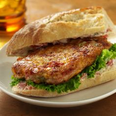 Make sure to make enough of these savory Spicy Chicken Sandwiches to go around at your next game day party! Ground chicken patties, flavored with cheese and zesty tomatoes, are served in pieces of French bread with a tomato-mayo spread Spicy Chicken Sandwiches, Chicken Sandwich Recipes, Wrap Sandwiches, Easy Chicken Recipes, Turkey Recipes, Dinner Recipes, Chicken Meals, Dinner Ideas, Spicy Recipes