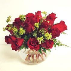 #rosebowl #atlantaflowerbar  atlantaflowerbar.com #atlantaweddingflorist #atlantaflorist Cake Flowers, Atlanta, Reception, Vase, Home Decor, Flowers, Decoration Home, Room Decor, Receptions