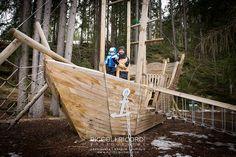 galeone legno fotografo bambini milano val badia