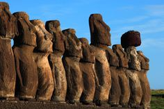 Moai statue / National Geographic