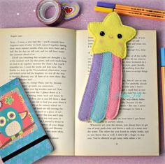 Hello Felt: Tutorial: Make a Wish Bookmark Felt Crafts Diy, Felt Diy, Easy Diy Crafts, Needle Felted Animals, Felt Animals, Diy Marque Page, Felt Doll Patterns, Felt Keychain, Felt Bookmark