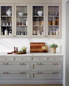 The kitchen that is top-notch white kitchen , modern kitchen , kitchen design ideas! Grey Kitchen Cabinets, Home Kitchens, Kitchen Design, Kitchen Renovation, Kitchen Decor, Modern Kitchen, New Kitchen, Kitchen Style, Kitchen Cabinets