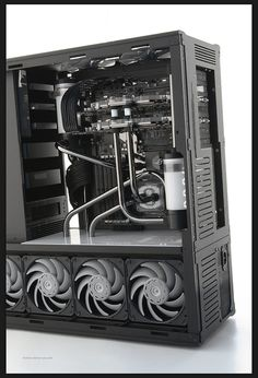 overclock.net The Murderbox MkII Custom TJ07 find out the specific addons and options at murderbox.com