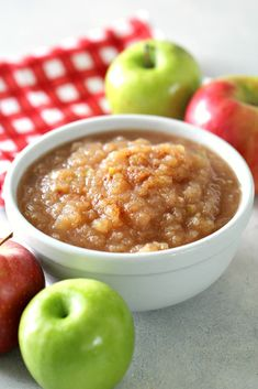 Warm and delicious, filled with the bold cinnamon and brown sugar flavors, this Instant Pot easy cinnamon applesauce is sure to be a recipe made over and over again! Instapot Applesauce, Cinnamon Applesauce Recipe, Instant Pot Pressure Cooker, Pressure Cooker Recipes, Slow Cooker, Ranch Chicken Casserole, Chicken Pasta, Healthy Snacks, Healthy Recipes