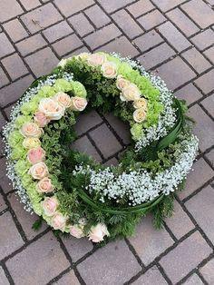In Loving Memory, Flower Decorations, Floral Arrangements, Diy And Crafts, Floral Wreath, Wreaths, Garden, Flower Arrangements Simple, Flowers