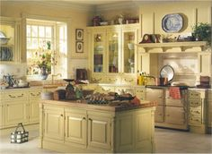 Georgian Kitchen 1714 - like the counter top cabinets next to stove and the mantel over the stove (camo for vent? dream stove Love it Big Kitchen, Kitchen Redo, Kitchen Pantry, Country Kitchen, Kitchen Design, Georgian Kitchen, Cottage Style Decor, Kitchen Colors, Cream Aga
