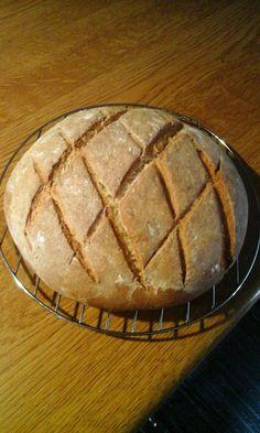 Αφράτο Ψωμάκι χωρίς μαγιά,με μπύρα!! 1 Pie, Cooking Recipes, Bread, Homemade, Desserts, Food, Kitchens, Torte, Tailgate Desserts