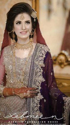 Bridal Mehndi Dresses, Asian Bridal Dresses, Pakistani Wedding Outfits, Pakistani Wedding Dresses, Wedding Dresses For Girls, Pakistani Dress Design, Bridal Outfits, Pakistani Bridal Hairstyles, Bridal Hairstyle Indian Wedding