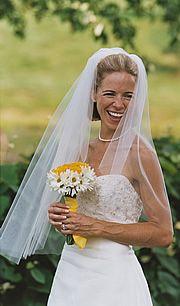 Simple elegance. Late summer bride.