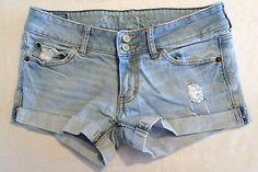 Womens Size 6 American Eagle Distressed Jean Shorts, Light Denim, Short Shorts