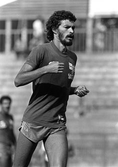 Football 1982 World Cup Finals Spain Brazil's Socrates during a training session Best Football Players, National Football Teams, 1982 World Cup, Soccer Guys, Famous Sports, World Cup Final, Sports Stars, Hot Guys, Hot Men