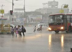 First heavy Monsoon showers lash Bhopal  http://www.skymetweather.com/content/weather-news-and-analysis/monsoon-in-india-first-heavy-showers-in-bhopal/
