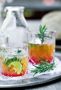 Ice cold rhubarb mojito – highly addictive … – Wine World Cocktails, Cocktail Drinks, Juice Smoothie, Smoothies, Rhubarb Mojito, Tequila, Aperol, Cuisine Diverse, Danish Food