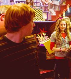Ron and Lavender (I just love the fact that you can see a bit of Weasley's Wizard Wheezes in the background) ;)