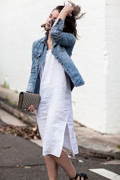 Duo we love: slip dress + jaqueta jeans