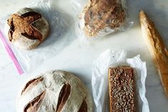 Freezing and defrosting bread