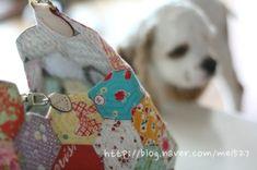 퀼트 / 손바느질 / 퀼트가방 / 핸드메이드 ] 알록달록 76조각 가방~~~ : 네이버 블로그 Coin Purse, Wallet, Purses, Bags, Pocket Wallet, Handbags, Handbags, Dime Bags, Handmade Purses