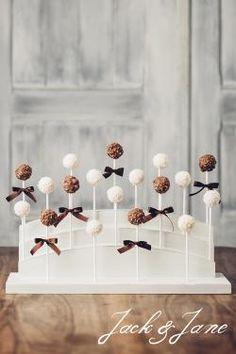 Cake-pop állvány - Andante   Jack&Jane tortaállványok Cake Pop, Stud Earrings, Cake Pops, Stud Earring, Earring Studs