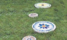 Trittsteine selber anfertigen Garden Spaces, Stepping Stones, Cool Stuff, Outdoor Decor, Home Decor, Important, Paths, Gardening, Gardens