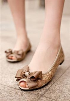lace flat shoes #lace #flats www.loveitsomuch.com