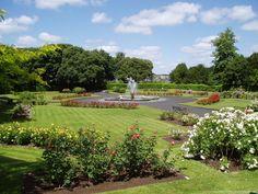 ATPM 10.11 - Desktop Pictures: Ireland - Kilkenny-Gardens