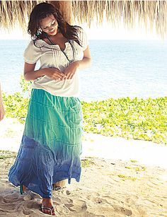 Pretty much love everything in this photo. Plus size, relaxed, beach