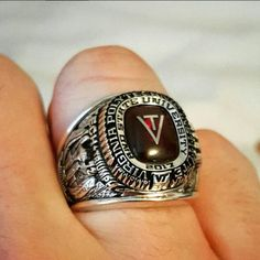 Class of 2017! College Class Rings, Senior Rings, Virginia Tech Football, Men Rings, Survival Hacks, Class Design, Jewelery, Watches, Men Accessories