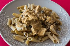 Tofu mushroom strogonoff por Sarmale / OAyuso. #receta #vegana