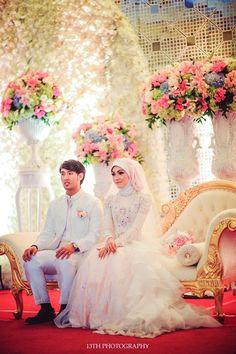 Pernikahan Adat Minang Ala Andina dan Angga - 2e56a132043707.566c22483045a