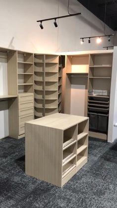 Wardrobe Room, Wardrobe Design Bedroom, Room Design Bedroom, Bedroom Furniture Design, Home Room Design, Home Interior Design, Closet Island, Flur Design, Home Decor Boxes