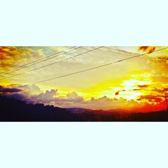 #comparte @continuo ------------------------------------- Cables ------------------------------------- Usando #igersFalcon #sunset #sun #sunrise #cable #sky #sunny #sunrise #instagram #instapic #instagood #mood #igers #igersvenezuela #top #creative #elnacionalweb #venezuela