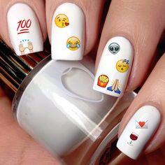 Estas calcomanías para uñas: