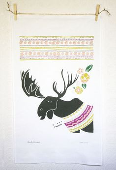 Moose tea towel by Leah Duncan. [my puppy's name is moose :)] Dish Towels, Tea Towels, Moose Decor, Christmas Moose, Christmas Deco, Antique Sewing Machines, Vintage Tea, Vintage Lace, Linen Fabric