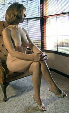 nahá žena Cumming
