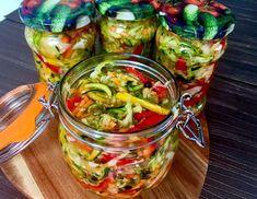 Surówka z cukini z warzywami Healthy Life, Healthy Eating, Vegan Recipes, Cooking Recipes, Coleslaw, Kitchen Recipes, Guacamole, Cucumber, Salads