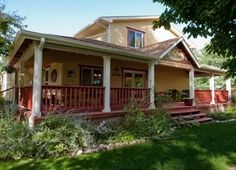 bungalow with nice porch, Inn at City Park B, Fort Collins, CO