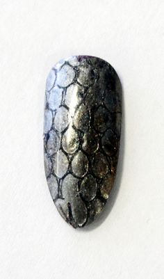 Snakeskin Metallic Mani | Step-by-step How-To on www.salonmagazine.ca | Click for more #fall #nail #inspiration