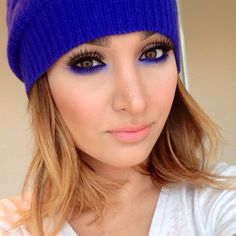 love the royal blue liner