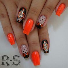 As 20 melhores unhas decoradas com esmalte laranja Finger, Nail Patterns, Hot Nails, Mani Pedi, Trendy Nails, Nail Colors, Nail Art Designs, Nail Polish, Bling