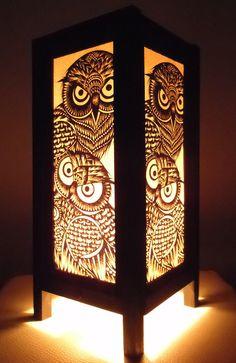 Thaise lamp met uilen. De verkoper op Etsy heeft nog veel meer van deze lampen met andere uilen erop! Supermooi!