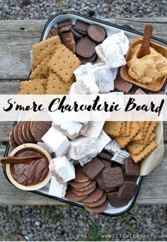 S'more Charcuterie Board – Life is a Party S'more Charcuterie Board: this s'more themed dessert board is perfect as a summer treat around a campfire, or for your camping themed party. Just Desserts, Delicious Desserts, Dessert Recipes, Yummy Food, Dessert Tray, Desserts For Dinner Party, Dessert Ideas For Party, Food For Parties, Party Food Ideas
