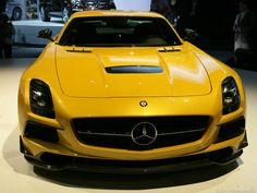 Mercedes-Benz AMG: SLS Black beauty and the GL63 beast (pictures)