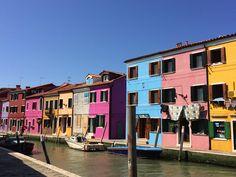 Burano (Italie); een eiland vol gekleurde huizen