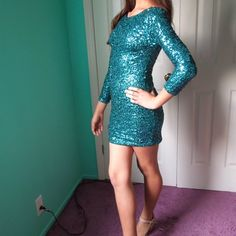 [Emerald City] SequinDress Scoop back and long sleeves. Great for a party or night out.  •No Trades• Boutique Dresses Mini