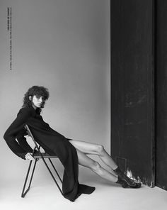 Mica Arganaraz Wears Cool Girl Style for Vogue Korea Vogue Poses, Hipster Fashion, Dope Fashion, Fashion Art, Girl Fashion, Autumn Fashion, Fashion Model Poses, Cool Girl Style, Editorial Photography