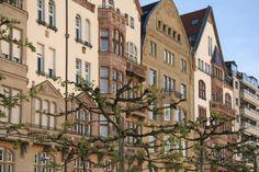 Herrschaftliche Stadthäuser an der Rheinuferpromenade in Düsseldorf (Altstadt)