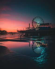 sunset colors from santa monica. Sunset Wallpaper, Wallpaper Backgrounds, Aesthetic Backgrounds, Aesthetic Wallpapers, Pier Santa Monica, Landscape Photography, Nature Photography, Beautiful Places, Beautiful Pictures