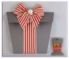 Cute Present shaped gift card holder