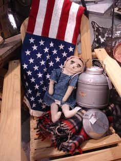 Sisters Antiques -- not displaying the flag with respect.